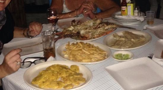 Luperon, Dominican Republic: Best restaurant in town!!! We had a great evening we had Lopster the food was awesome