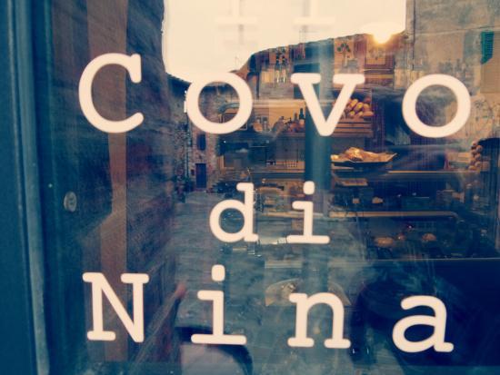 San Gusme, Ιταλία: Il Covo di Nina, una piccola bottega nel cuore del Chianti!