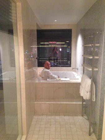 Cosmopolitan Las Vegas Terrace One Bedroom Fountain View one-bedroom terrace suite - japanese soaking tub! - picture of the