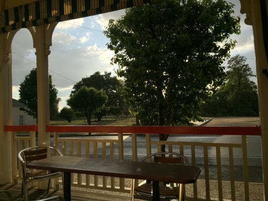 Balcony - Killarney Hotel-Motel Photo