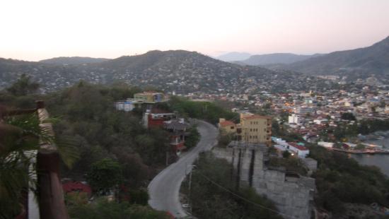 Vista picture of villas el morro zihuatanejo tripadvisor for Villas el morro