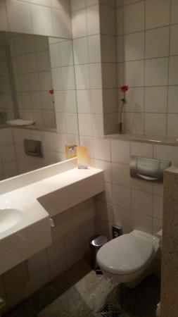 Best Western Plus Hotel Excelsior: Das Bad