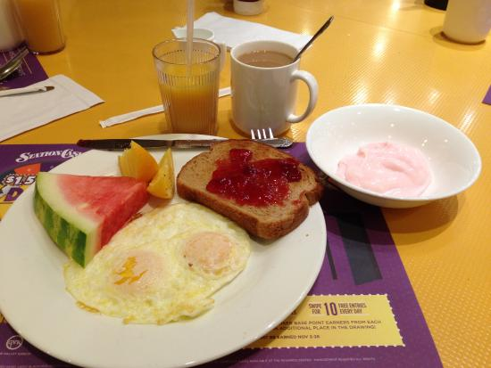buffet breakfast my light one picture of feast buffet at palace rh tripadvisor com