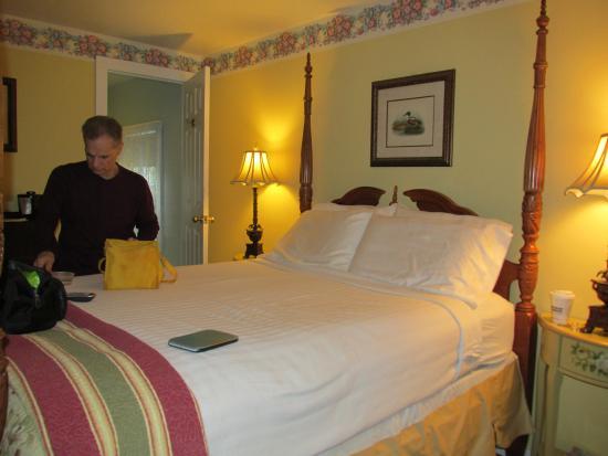 Thornewood Inn : Carrage House room