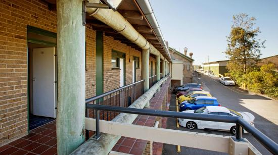 Hinterland Hotel/Motel: The Hinterland provides ample parking for guests