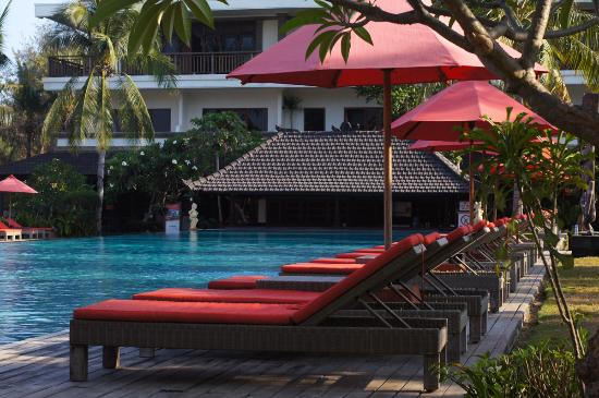 Hotel Ombak Sunset: Pool