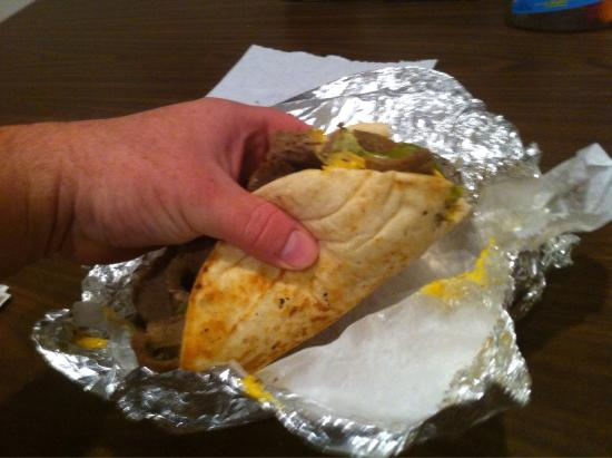 Moriches, NY: phillycheesesteak pita gyro.....