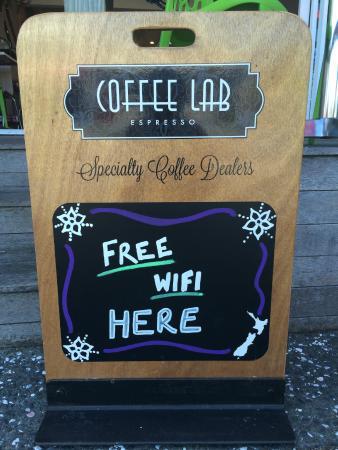 Lazy Lizard Cafe Whangamata: Free WiFi