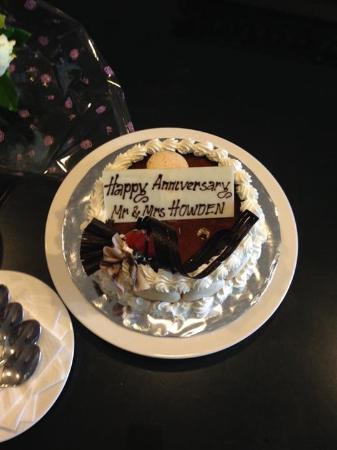 Surprised anniversary cake