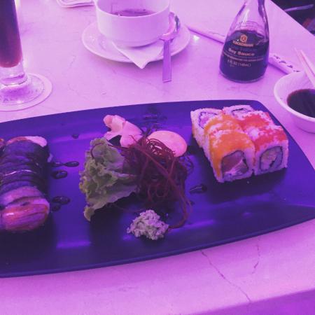 Tanoshii Lounge & Sushi Bar: tanoshii combo