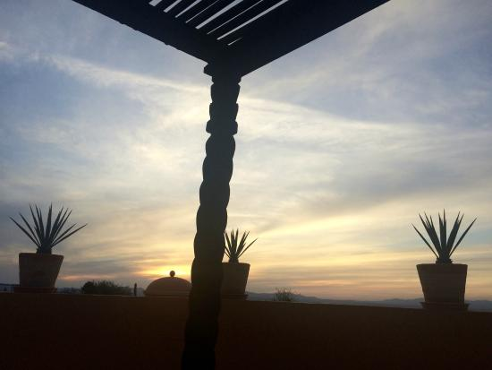 Casa Frida B&B: beautiful sunset and views of the city from the terrace!