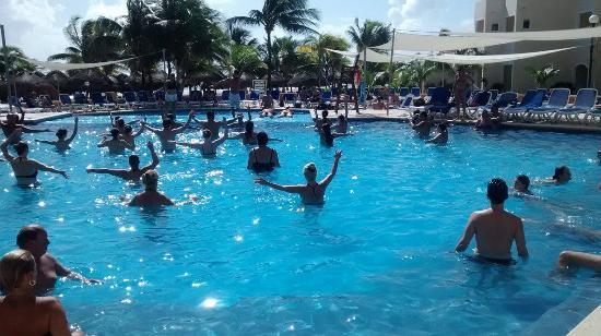 Viva Wyndham Maya - An All Inclusive Resort: aquagym