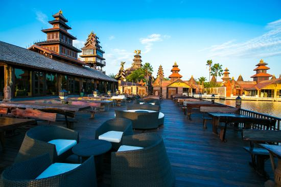 Ammata Lanta Resort: Swan Lake Terrace