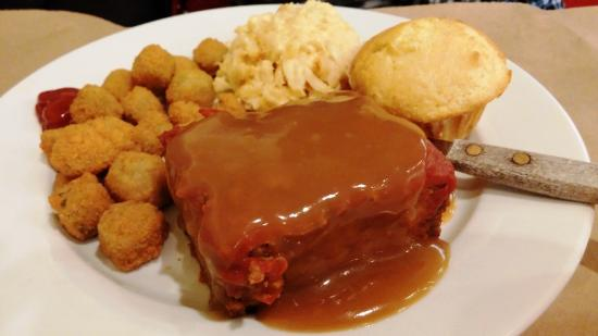 Harvest Moon Low Country Grill: Meat loaf