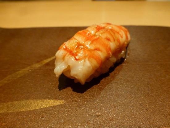 Sushi Aizawa: にぎり(車エビ)
