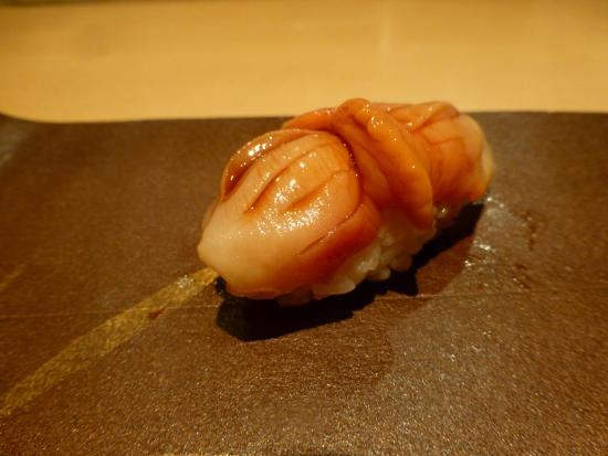 Sushi Aizawa: にぎり(赤貝)