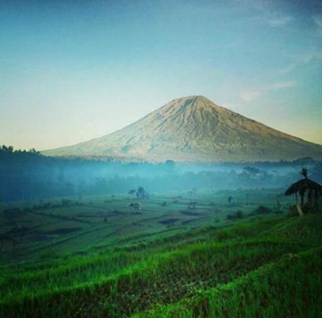 Stunning Bali Tours: agung mountain