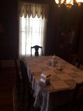 Fayette, AL: Breakfast Dining Room