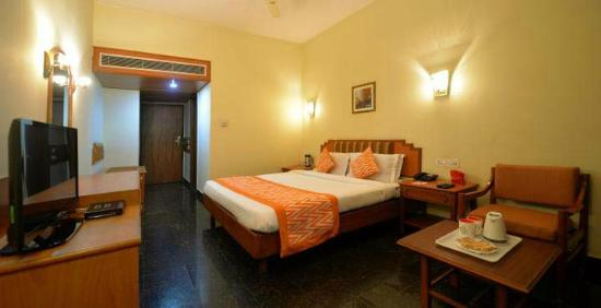 Hotel Pearl Regency : Guest Room - Queen Bed