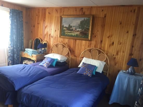 Homestead B&B: comfortably twin beds