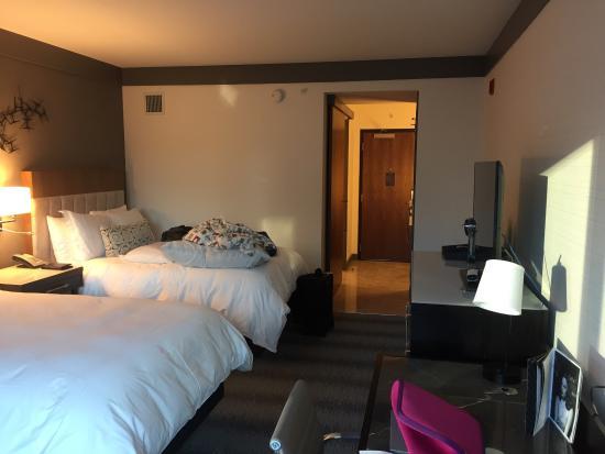 Loews Chicago Hotel Photo
