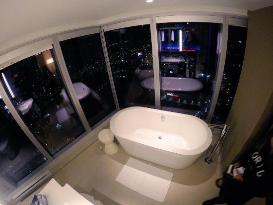 Delta Hotels by Marriott Toronto Photo