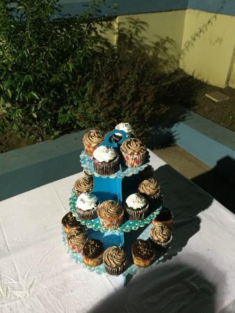 Cafe Klatsch: Cupcakes