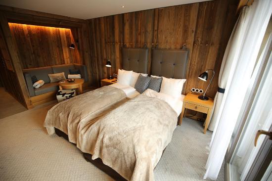 our bedroom comfort zimmer s dseite picture of loewen hotel montafon schruns tripadvisor. Black Bedroom Furniture Sets. Home Design Ideas