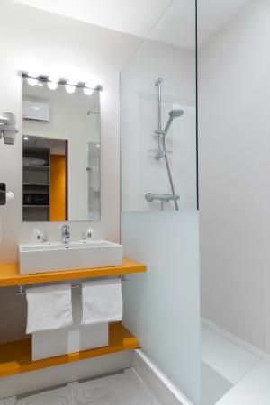 comfort hotel expo colmar desde francia opiniones y comentarios hotel tripadvisor. Black Bedroom Furniture Sets. Home Design Ideas