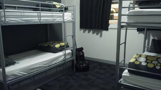 United Backpackers Melbourne: Kamar 4 bed female dormitory dorm