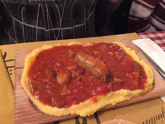 La bottega del Giullare : polenta funghi e salsiccia