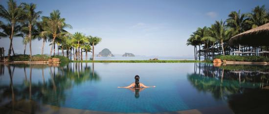 Phulay Bay, A Ritz-Carlton Reserve: Infinity pool at Phulay Bay - A Ritz-Carlton Reserve