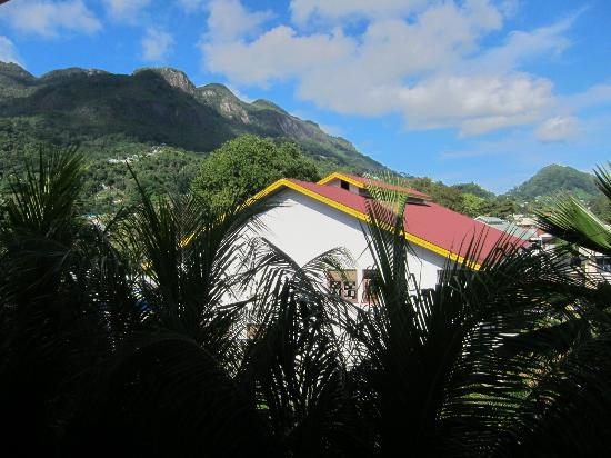 Mont Fleuri, Ilhas Seychelles: Неплохой вид из кухни, правда, дамы?