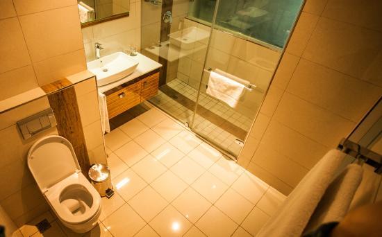 Coastlands Umhlanga: Deluxe Room Bathroom