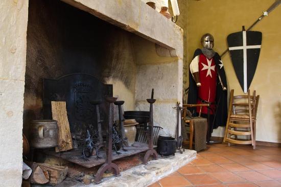 Castels, Francia: la salle à manger médiévale
