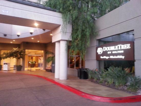DoubleTree by Hilton Hotel San Diego - Mission Valley: Ingreso