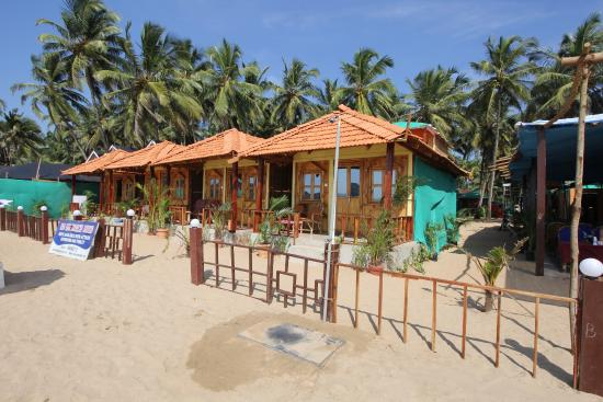 Om Sai Beach Huts: front view