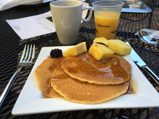 Audubon Cottages: Breakfast freshly prepared - just for us