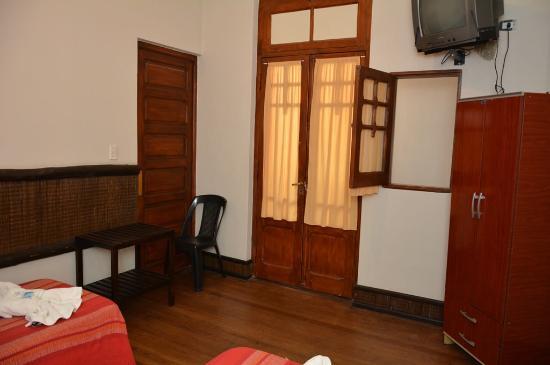 Hotel La Giralda I: Habitacion