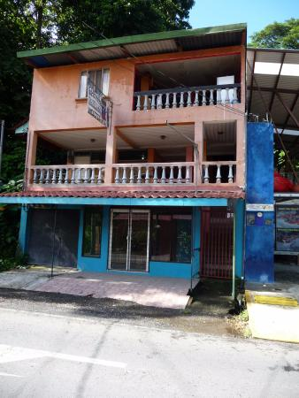 Central Backpackers Quepos: Hostel