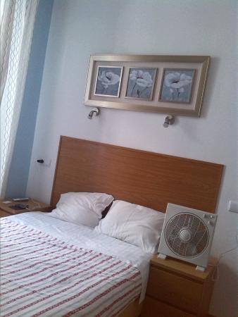 Baixa Guesthouse: La camera dove abbiamo soggiornato