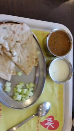 Mast Kalandar: Sorry don't know their names but in the thali family