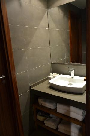 Up Suites Bcn: Antebaño