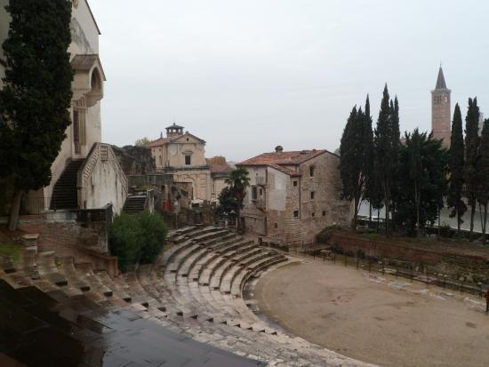 Colori dellautunno - Picture of Teatro Romano, Verona - TripAdvisor