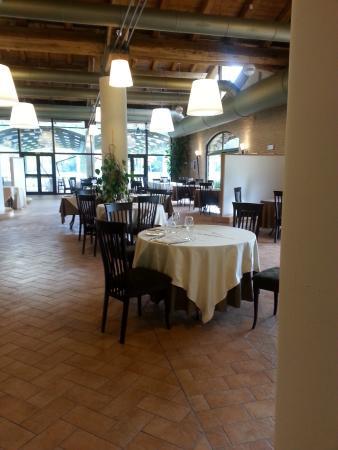 Magione Papale : interno ristorante
