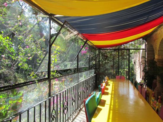La Casa De Los Espiritus Alegres : Gorgeous breakfast room.