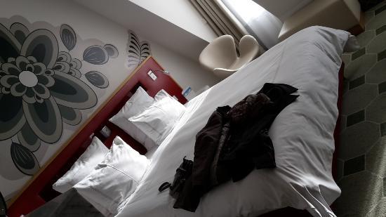 Kingsize Bed übelst Bequem Bild Von Hyperion Hotel Dresden Am
