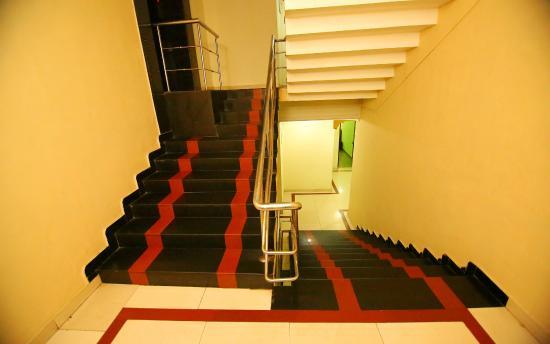 Highrange Inn: Staircase