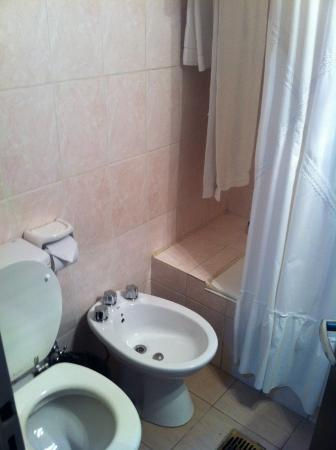 Hotel Amucan: Baño 01