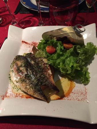 Saint-Martin-le-Beau, Γαλλία: tarte fine aux tomates et maquereaux